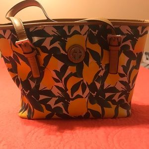 Lemon purse
